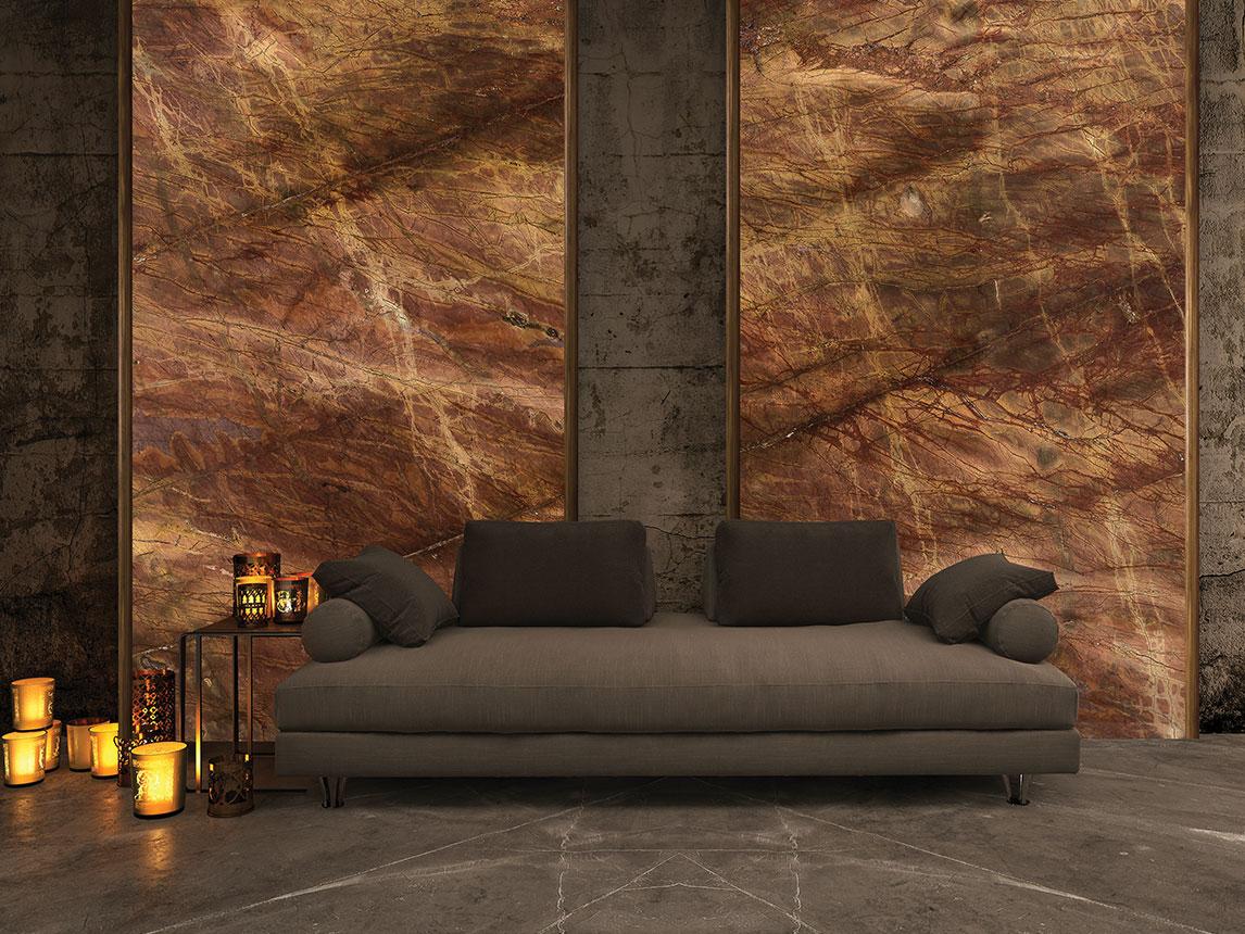 الجدار: RED DAMASCO | الأرضية: GRIS PULPIS